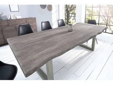 Massiver Baumstamm Tisch MAMMUT 240cm grau Akazie Massivholz Industrial Chic silber Eisen Kufengestell mit 6 cm dicker Tischplatte Baumtisch