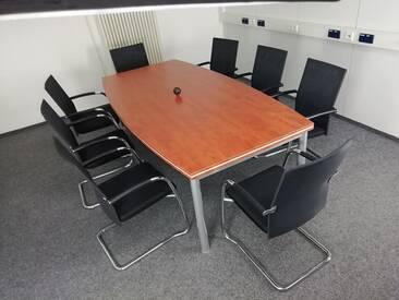Konferenztisch Pendo Rondo Bootsform Sandwich Top-Vor-Ort-Artikel