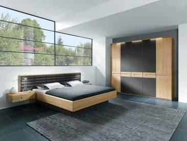 Thielemeyer Casa Massivholz Schlafzimmer Komfort Liegenbett mit Kassetten Kunstlederkopfteil dunkelbraun mit Passepartout Rahmen und Kleiderschrank sowie Nachtkonsolen
