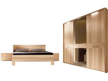 Thielemeyer Mali Schlafzimmer mit Komfort-Liegenbett und 6-türigen Drehtürenschrank mit 2 Spiegeltüren bronziert in Front- und Korpusausführung Strukturesche Massivholz optional mit Konsolen Hängepaneele und LED-Passepartout-Kranz-Beleuchtung