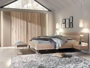 Thielemeyer Cubo Schlafzimmer in der Front- und Korpusausführung Massivholz Wildesche Komfort-Liegenbett mit Holzkopfteil 6-türiger Kleiderschrank optional mit Bettbank, Ansatzpaneele oder Beleuchtung