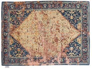 Rajkishor - handgetuftet:  Klassischer orientalischer Teppich, beige Basis mit blauen Farbtonen, antike Muster