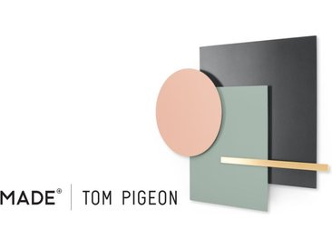 Assembly Tom Pigeon Wandskulptur, Messing und Rosa