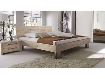 Massivholzbett Fuego in 200x200 cm, Weiß, mehr Farben und Größen auf Betten.de