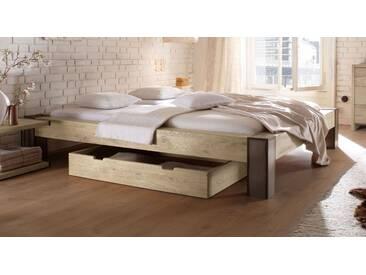 Massivholzbett Mallero in 180x200 cm, Weiß, mehr Farben und Größen auf Betten.de