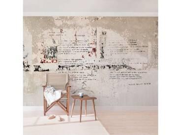 Bilderwelten Beton Vliestapete Breit »Alte Betonwand mit Bertolt Brecht Versen«, grau, 225x336 cm, Grau