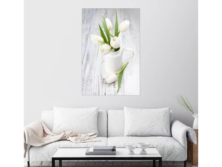 Posterlounge Wandbild »Weiße Tulpen auf geweißtem Holz«, weiß, Poster, 20 x 30 cm, weiß