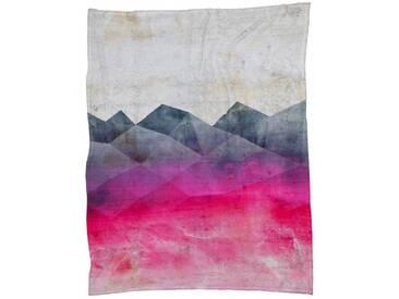 Juniqe Wohndecke »Pink Concrete«, sehr weich und kuschelig, rot, Kunstfaser, rot-rosa-grau-rot