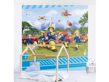 Bilderwelten Fototapete Vliestapete Premium Quadrat »Feuerwehrmann Sam - Allzeit bereit«, bunt, 288x288 cm, Farbig