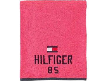 TOMMY HILFIGER Saunatuch »Optimistic«, mit gesticktem Schriftzug und Tommy Flagge, rosa, Walkfrottee, cherry