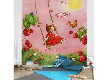 Bilderwelten Vliestapete Quadrat »Erdbeerinchen Erdbeerfee«, rot, 192x192 cm, Rot