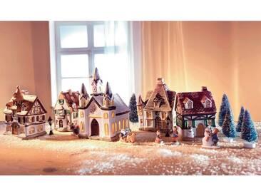 Weihnachtsdorf, mit Lichterkette, bunt, bunt