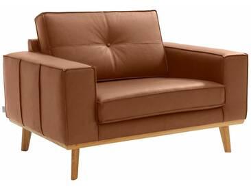 Guido Maria Kretschmer Home&Living GMK Home & Living Sessel »Janis«, Leinen oder NaturLEDER mit Eichen-Füßen und Außennaht, braun, cognac