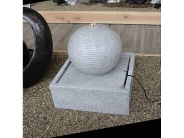 Gartenbrunnen/Dekobrunnen Kugel auf Quader Steinoptik LED Beleuchtung